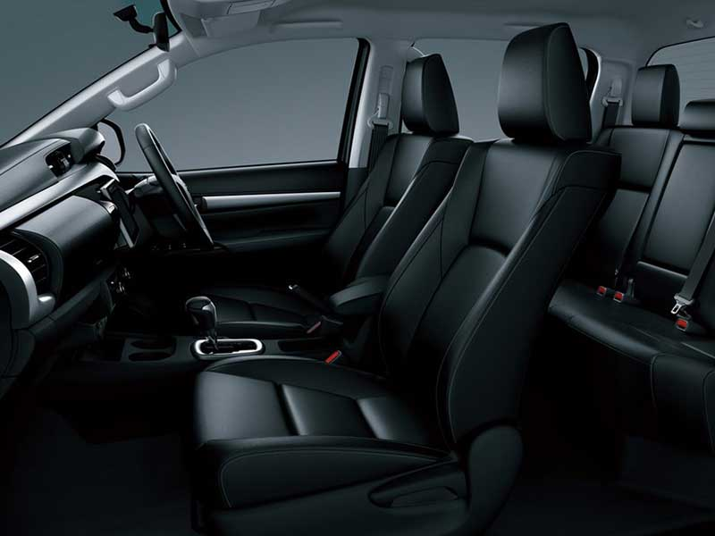 Interior Toyota Hilux Double Cabin